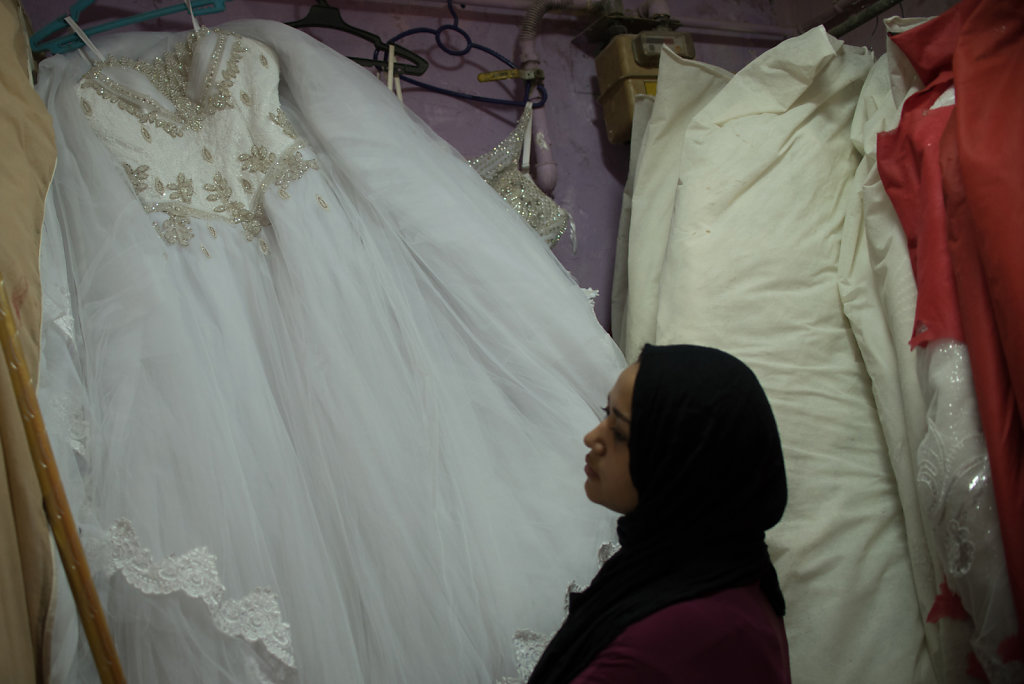 """""""Before all of this, there was at least one bride coming in every week, if not two or three. Now, barely anyone comes. For the hairdresser, everything has gone up. Face and eyebrow waxing used to cost 10 and 15 EGP, now its 25 or 30 EGP. Now the cheapest"""